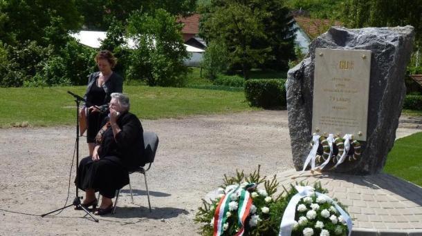 Emléktábla avatás Gödrén