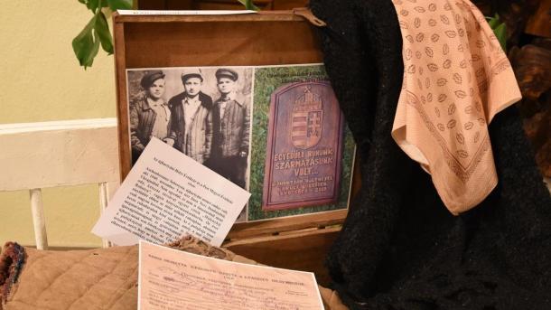 Elhurcoltak Emlékére Vándorkiállítás Újhartyánban, Ceglédbercelen és Taksonyban