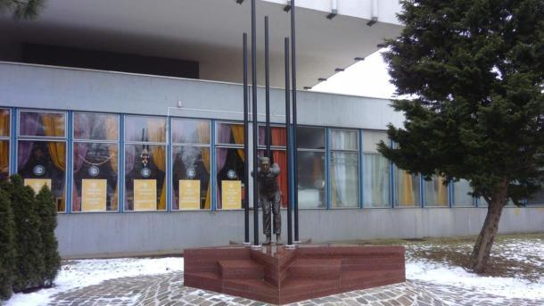 Emléktáblák környezeti rekonstrukciója Nyíregyházán