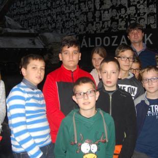 Szombathelyi diákok tanulmányi útja a Terror házába