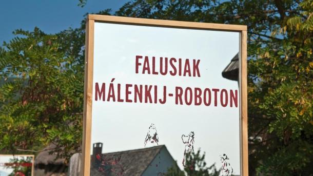 """Csak egy """"kis munka"""". Falusiak Málenkij-roboton a II. világháború végén - Kiállítás"""