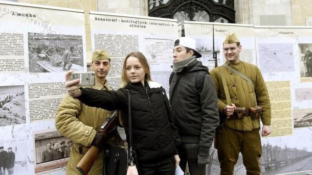 Maga most jött a szovjetből? - Cikksorozat